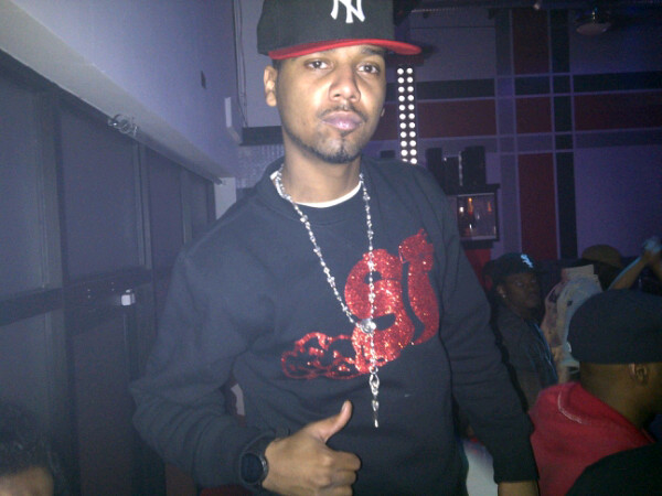 juelz-santana-rosary-slowbucks-crewneck-i-gucci-digital-watch