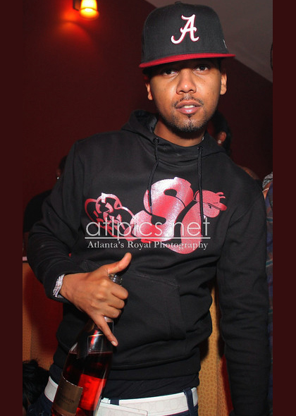 juelz-santana-slowbucks-hoody-gucci-belt