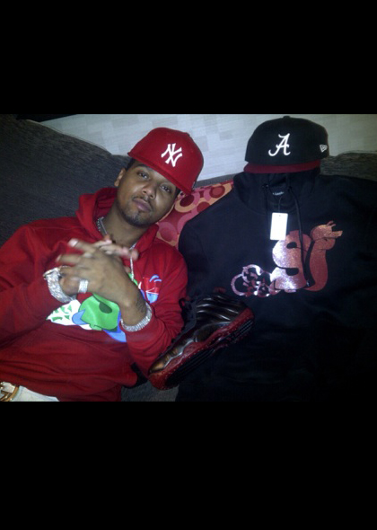 juelz-santana-slowbucks-hoody-red-gucci-belt