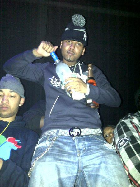 juelz-santana-slowbucks-sweater-crewneck-gucci-belt