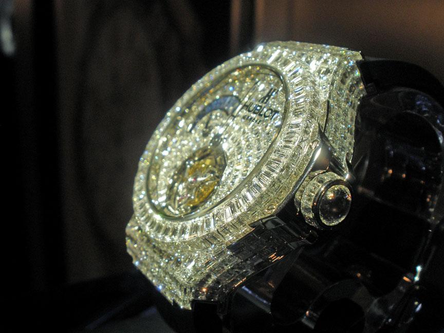 hublot-big-bang-channel-set-diamonds