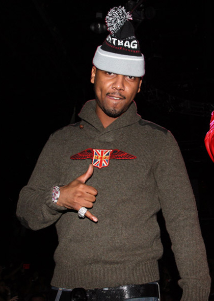 juelz-santana-polo-rugby-r-shawl-cardigan-sweater-gucci-iridescent-imprime-belt