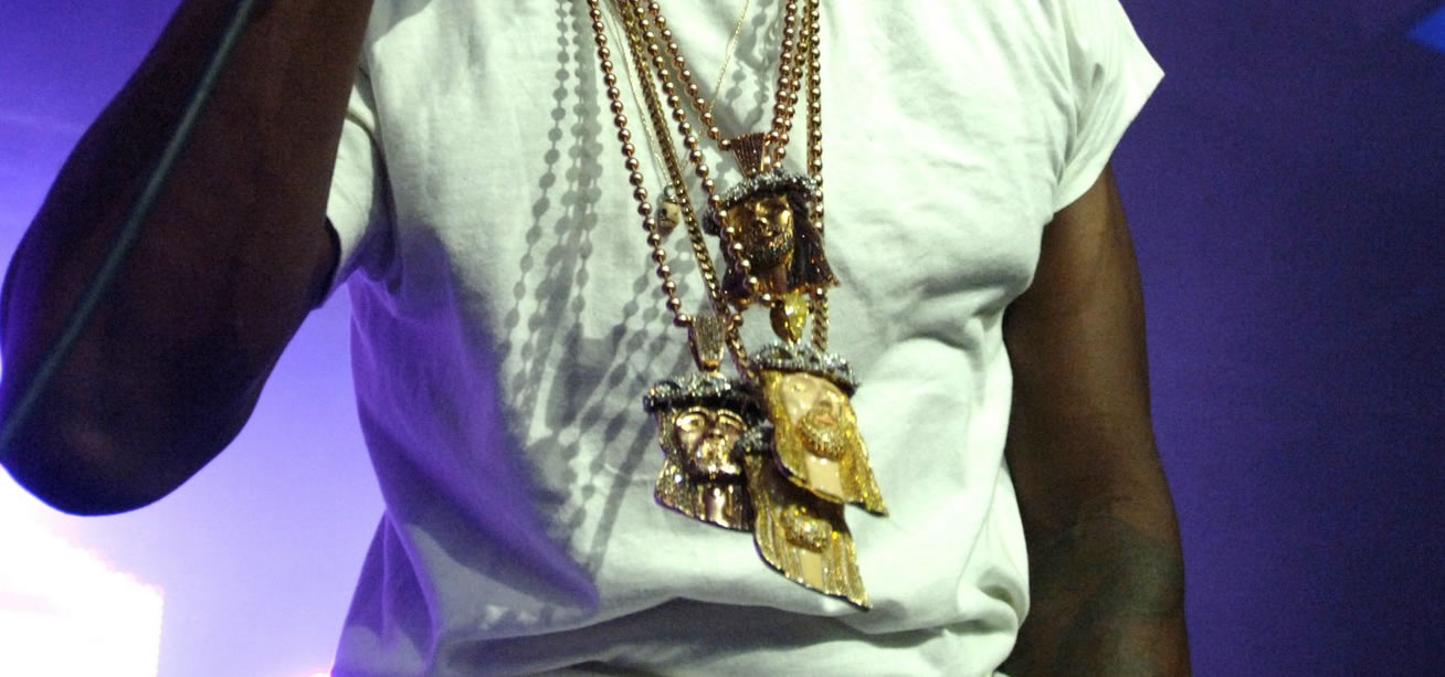 kanye-west-enamel-jesus-pieces