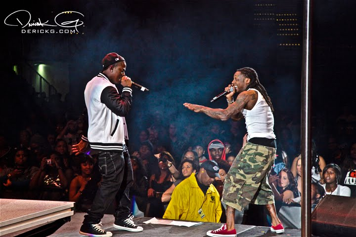lil-wayne-weezy-camo-shorts-marc-jacobs-red-converse-chuck-taylors