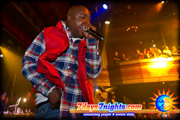 jadakiss-polo-ralph-lauren-stowe-hooded-workshirt-down-red-vest
