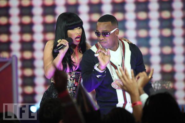 yo-gotti-nicki-minaj-gucci-sweater-cardigan