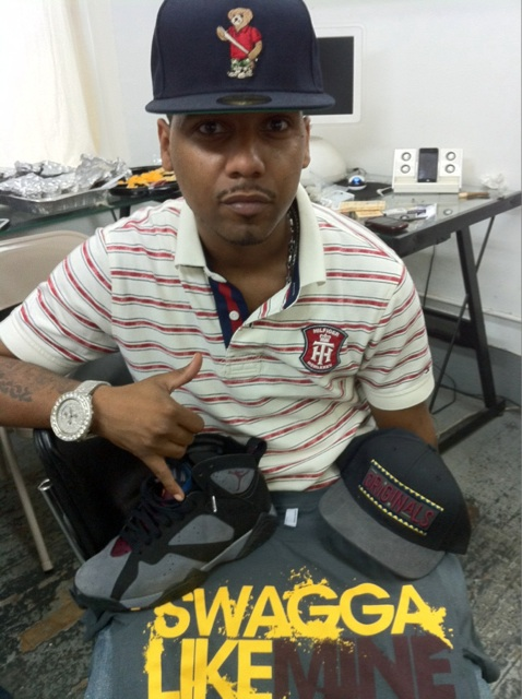 juelz-santana-tommy-hilfiger-jordan-bordeaux-acapulco-gold-fitted