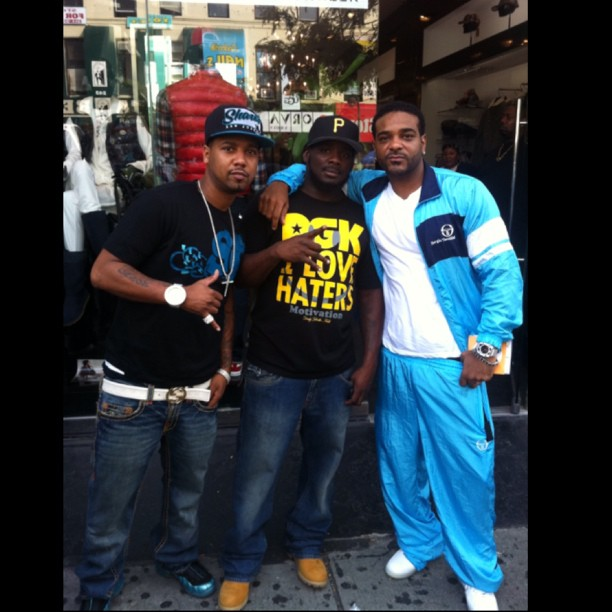 juelz-santana-slowbucks-shirt-nike-electric-blue-retro-foamposite-pro