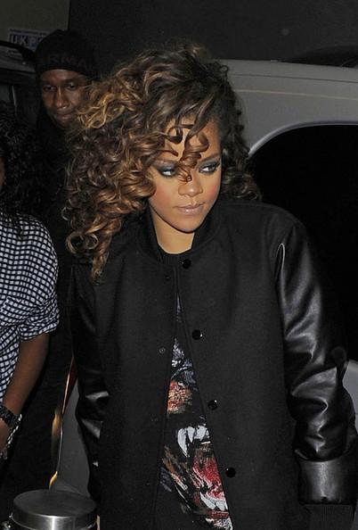 Rihanna-givenchy-rottweiler-shirt