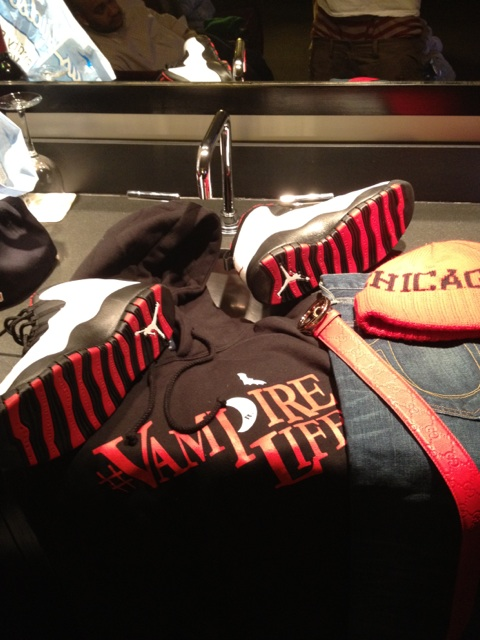 jim-jones-jordan-vampire-life-splash-gucci-belt