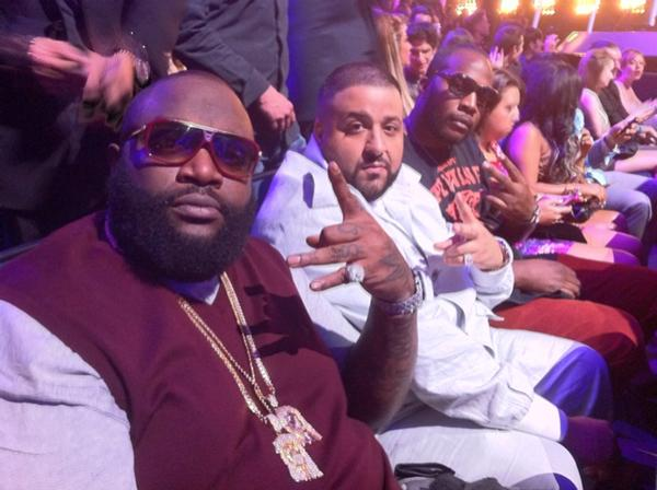 rick-ross-bet-awards-jesus-pieces