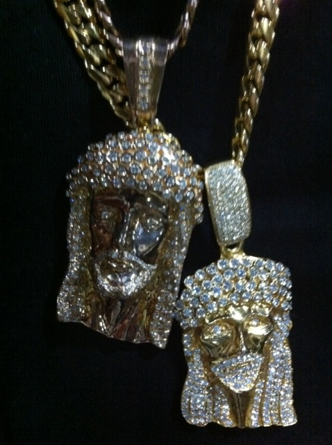 rick-ross-yellow-gold-jesus-pieces-diamonds