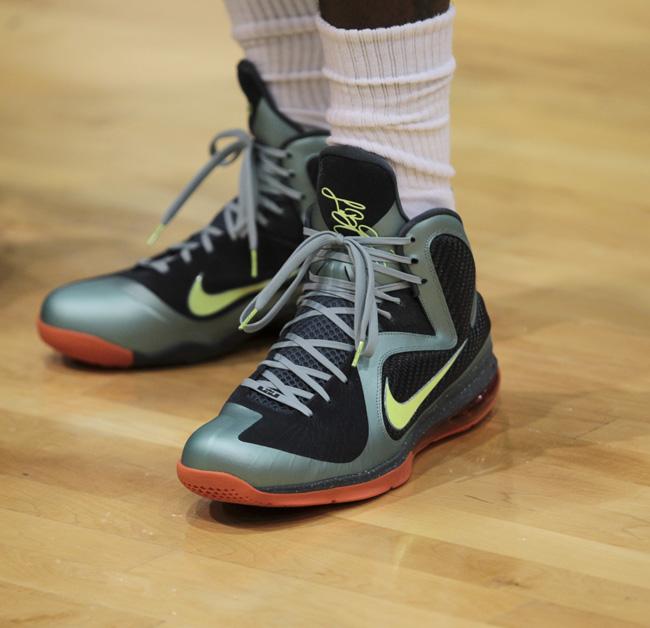 sports shoes 8bbcb f26c1 The Game Rocking Nike Lebron 9 Cannon   Splashy Splash