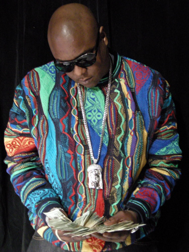 jadakiss-coogi-sweater-biggie-jacob-jesus-kufi-piece-chain
