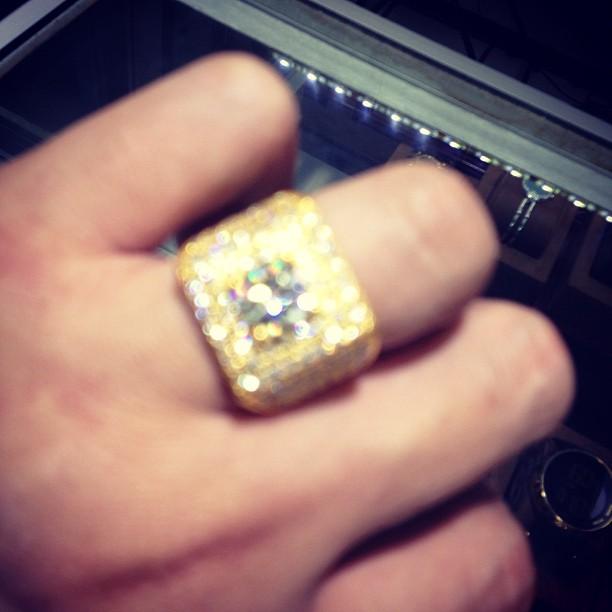 jimmyboi-yellow-gold-ring