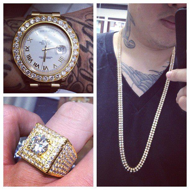 jimmyboi-yellow-gold-white-diamonds-set-up