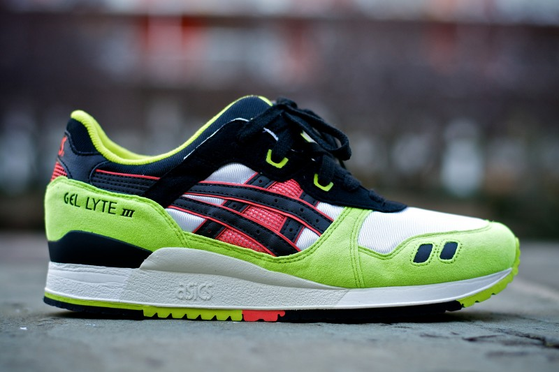 ASICS-GLlll-Neon-Black-Red-1-gel-lyte-iii-green