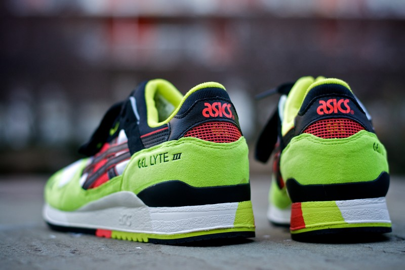 ASICS-GLlll-Neon-Black-Red-gel-lyte-3-green