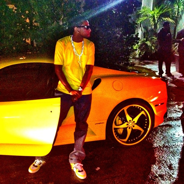 fabolous-louis-vuitton-lv-ace-sneakers-splash-ferrari-yellow