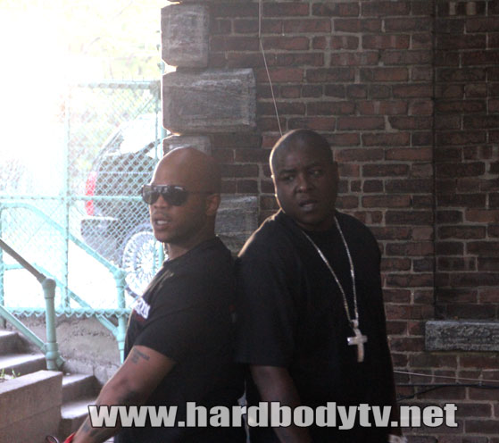 jadakiss-styles-p-diamond-cross-chain-video-shoot