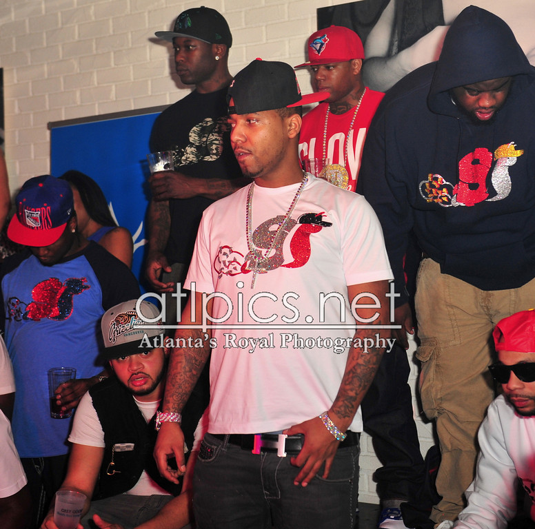 juelz-santana-hermes-h-buckle-slowbucks-shirt-red