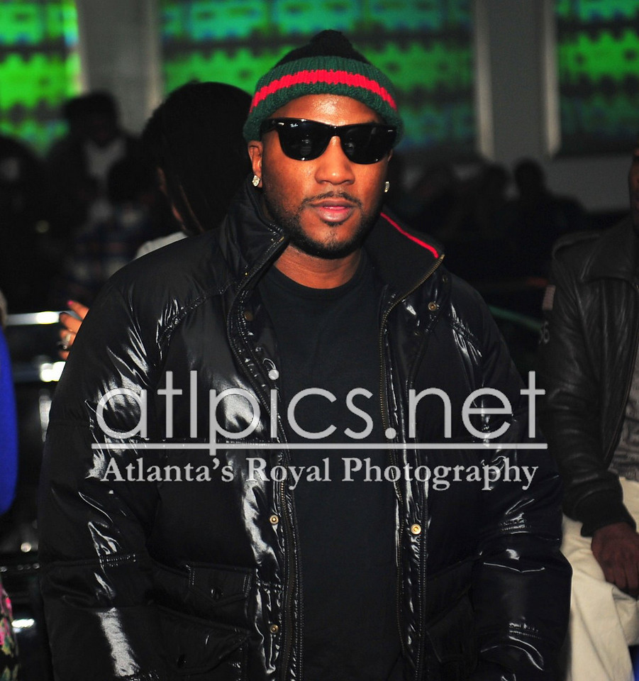 young-jeezy-gucci-beanie-ray-ban-gucci-jacket