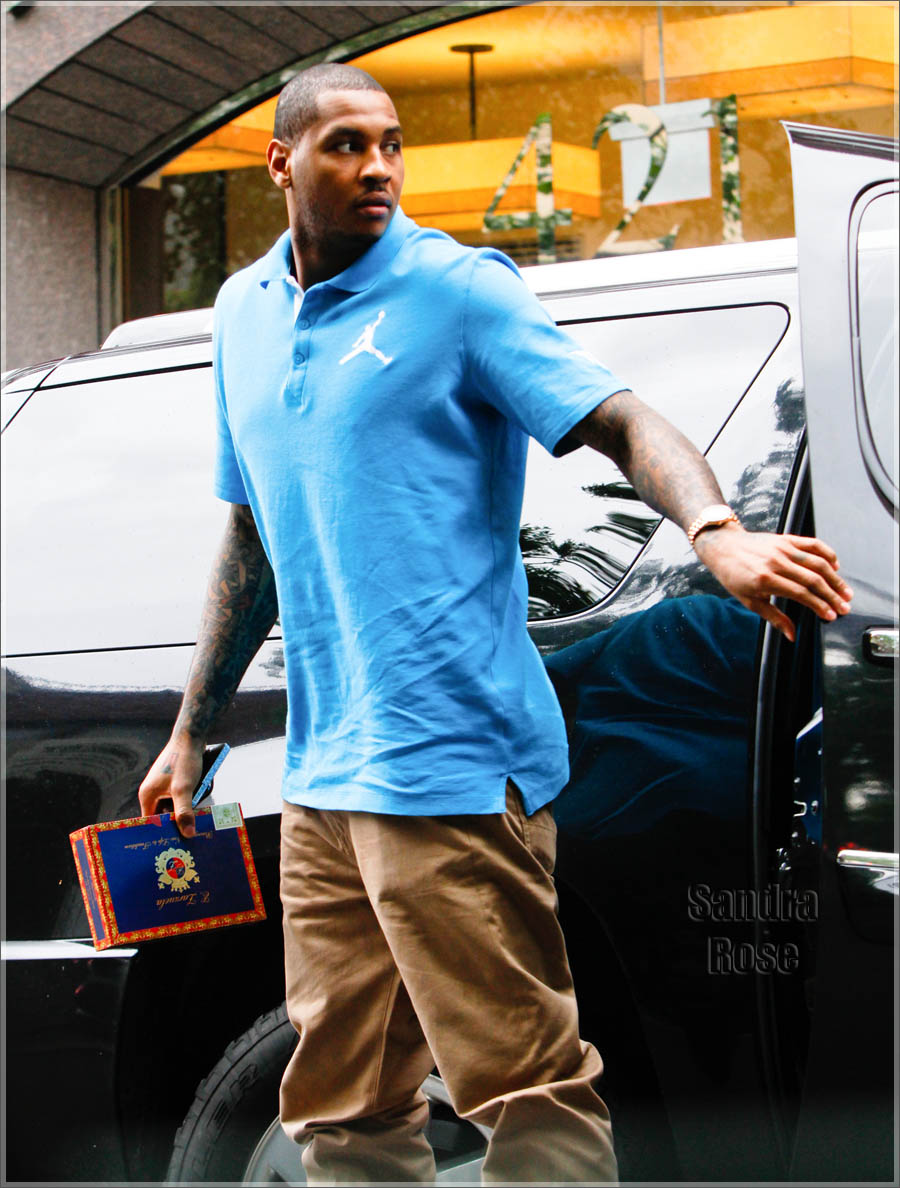 4d2d7f2973f6 Carmelo Anthony Rocking Air Jordan Spiz ike Bordeaux