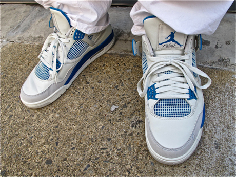 dicey-air-jordan-4-military-blue