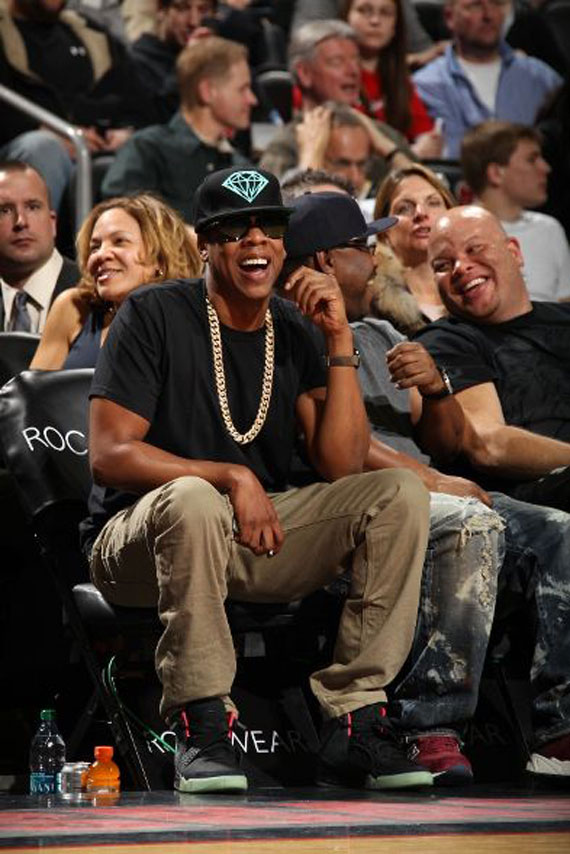 jay-z-iced-out-cuban-link-diamond-supply-brilliant-snapback-air-yeezy-2-solar-red