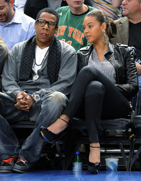 jay-z-roc-a-fella-chain-crooks-castles-2-castle-cardigan-beyonce-knicks-game