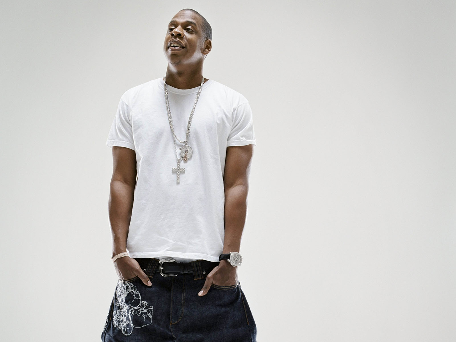 jay-z_rapper_pants_with_smile_wallpaper