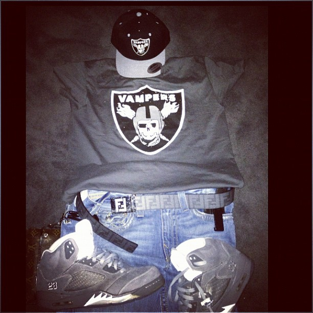 jim-jones-vampire-life-vampers-shirt-snapback-raiders-true-religion-jeans-fendi-belt-jordan-5-wolf-grey