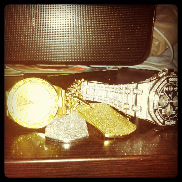 meek-mill-canary-yellow-rolex-dog-tags-audemars-piguet