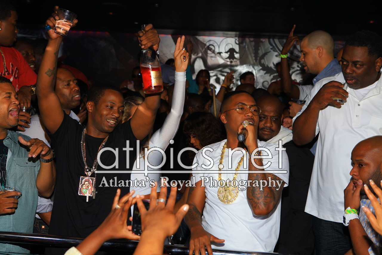 nas-reign-yellow-gold-mayan-chain-rolex-pinky-ring-5