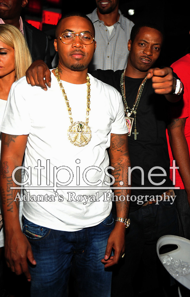 nas-reign-yellow-gold-mayan-chain-rolex-pinky-ring-diesel-jeans-jungle