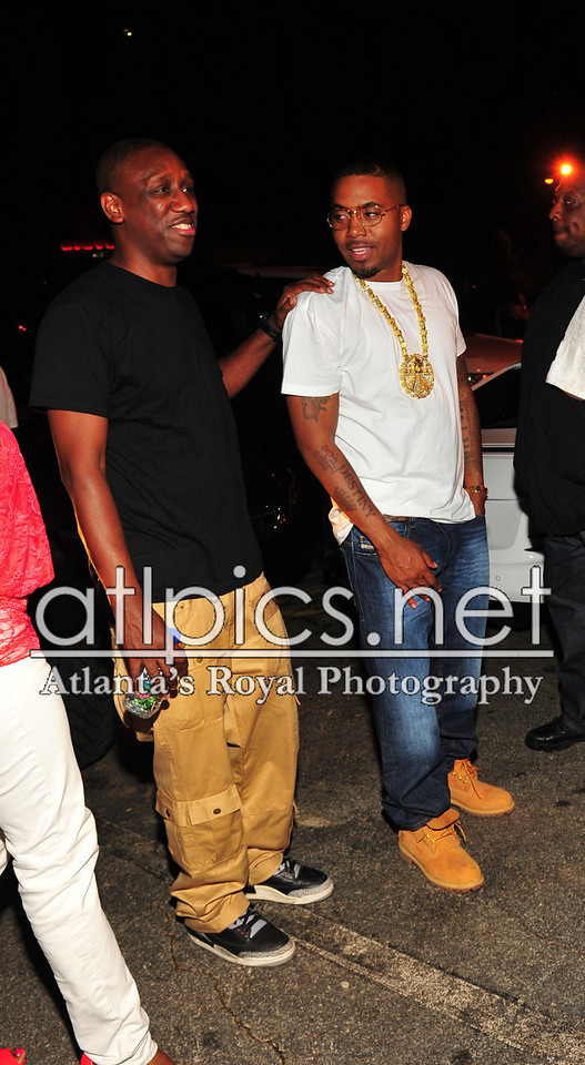 nas-reign-yellow-gold-mayan-chain-rolex-pinky-ring-timberlands-diesel-jeans
