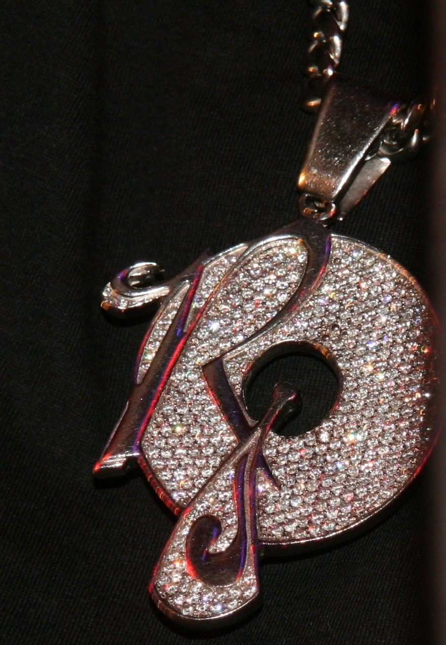 roc-a-fella-piece-chain-close-up
