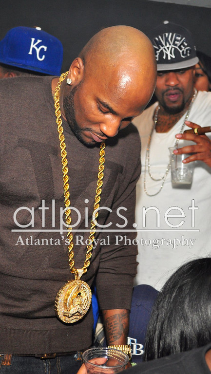 young-jeezy-lv-louis-vuitton-sweater-gold-chain