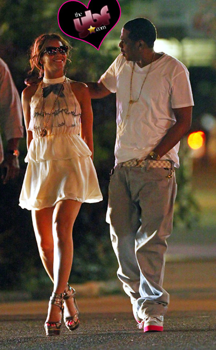 jay-z-lv-sneakers-belt-beyonce-wearing-roc-a-fella-chain