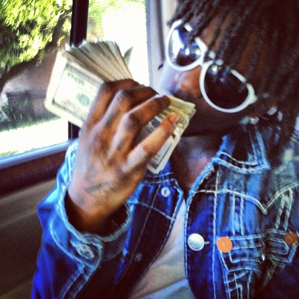 chief-keef-true-religion-jimmy-jacket-gucci-1030-sunglasses