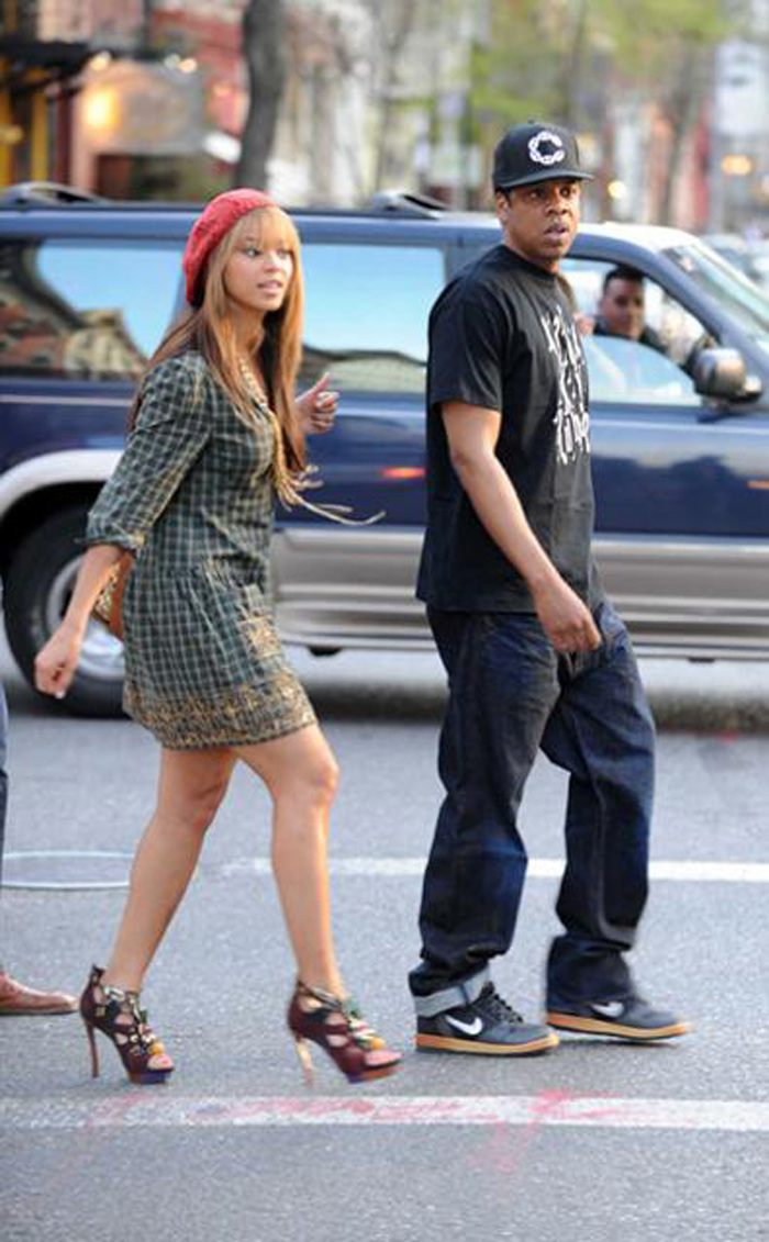 jay-z-crooks-castles-gucci-link-big-c-fitted-beyonce
