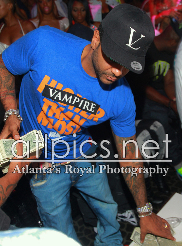 jim-jones-vampire-life-clothing-vampire-than-you-vl-hat-jordan-spizikes-new-york-knicks-orange-fendi-belt-1