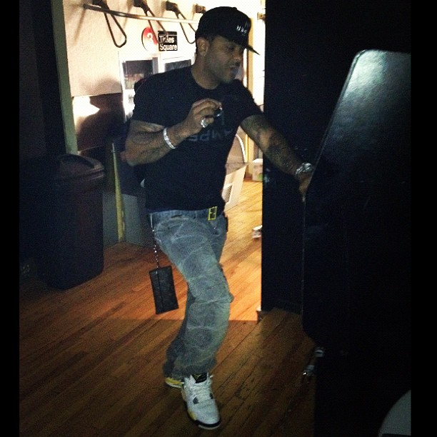 jim-jones-vampire-life-snapback-hat-shirt-fendi-belt