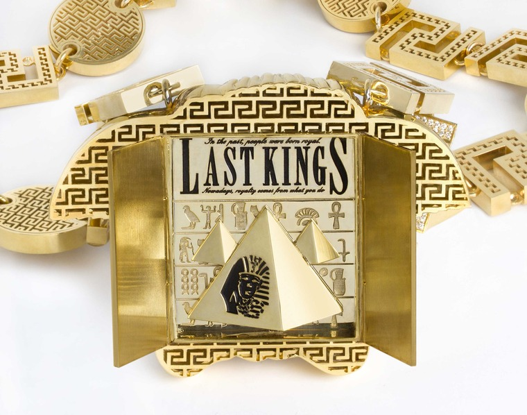 tyga-last-kings-medusa-chain-detail