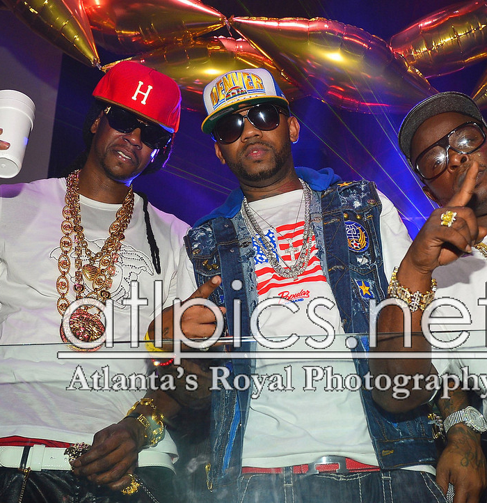 2-chainz-versace-shirt-versace-belt-versace-sunglasses-versace-chain-versace-ring-cap-1-dolla-boy-splashy-splash