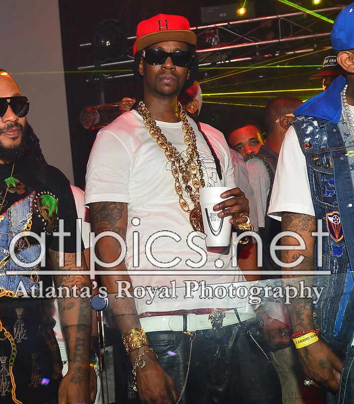 2-chainz-versace-shirt-versace-belt-versace-sunglasses-versace-chain-versace-ring-splashy-splash-3