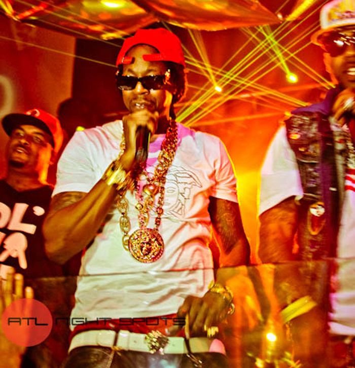2-chainz-versace-shirt-versace-belt-versace-sunglasses-versace-chain-versace-ring-splashy-splash