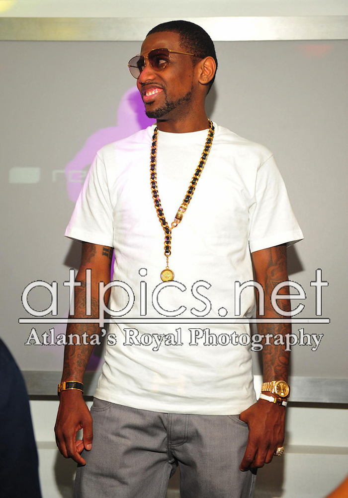 fabolous-gucci-4209-sunglasses-chanel-necklace-hermes-clic-clac-h-bracelets