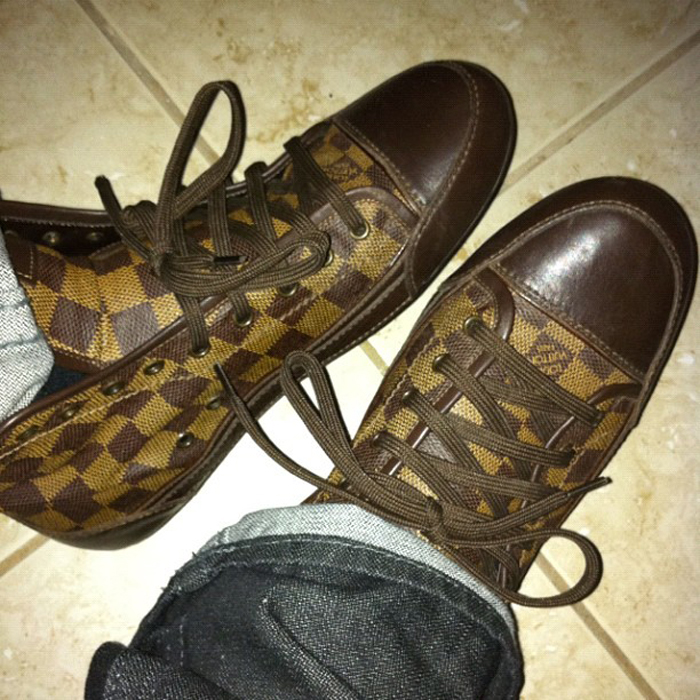louis-vuitton-ebene-damier-sneakers-splashysplash