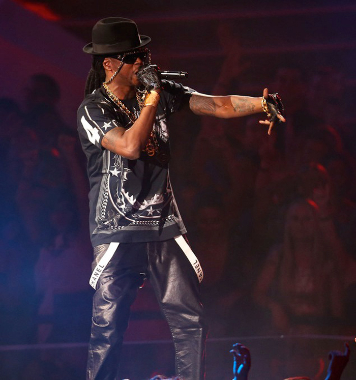 2-Chainz-Givenchy-Black-Shark-Jaw-T-Shirt-Splashy-Splash